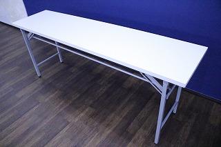 六本木 レンタルスタジオの備品、長机
